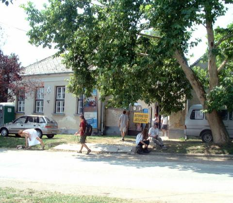 A Régi Iskola épülete, a Játszóház helye.