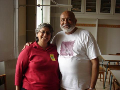 Ravi Apre a feleségével