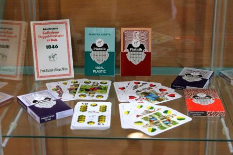 jáTÉKA kiállítás 5: Kártyák és látogatók 14