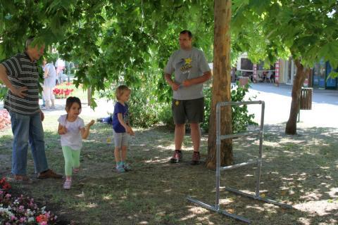 Látogatók a Lakóközösségi Napon 2014 Gyöngyösi sétány 01