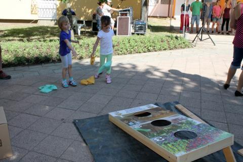 Látogatók a Lakóközösségi Napon 2014 Gyöngyösi sétány 04