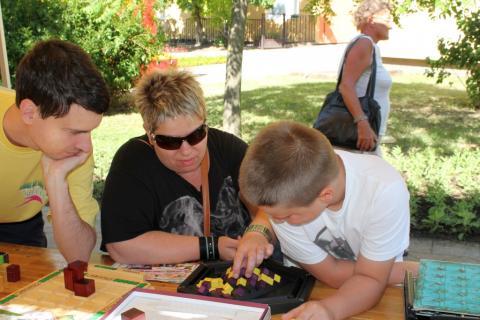 Látogatók a Lakóközösségi Napon 2014 Gyöngyösi sétány  05