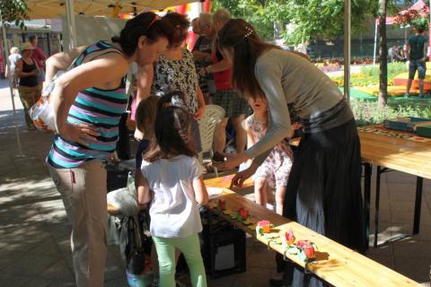 Látogatók a Lakóközösségi Napon 2014 Gyöngyösi sétány  10