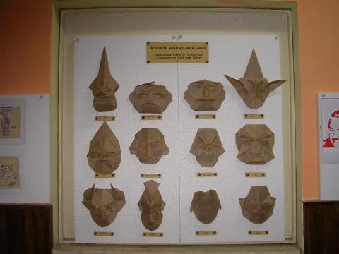Origami és kirigami kiállítás Zsibón - Györfi-DeákGyörgy: Tomoko Fuse maszkok