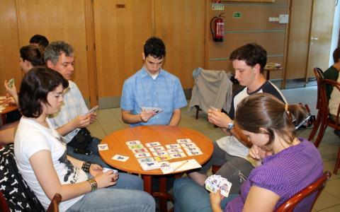 Vigyázz(6) kártyaverseny 07